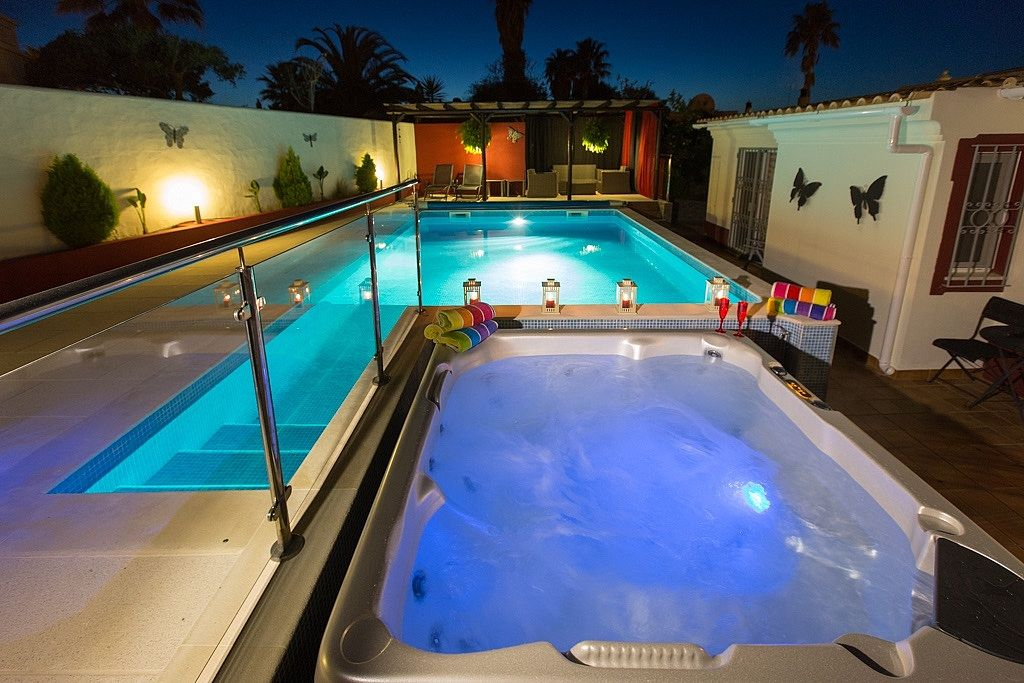 Luxury Villa With Pool And Tub Luxury Villa With Private