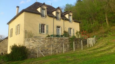 Large family home restored in a hamlet 2 km from Argentat