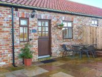 BEACON, family friendly, with open fire in Moorsholm, Ref 919672