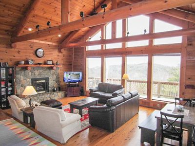 Carolina Cabin Rentals Cloud 9 Living Room with Great Views