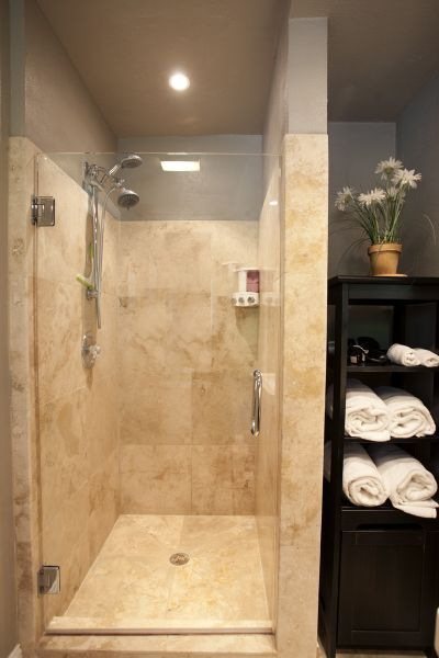 Walk in guest glass shower