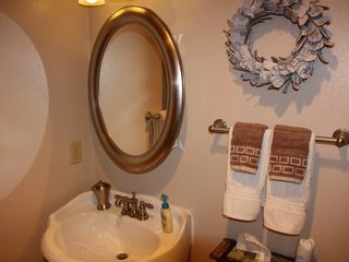 Breckenridge condo photo - Hall Bathroom