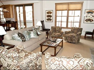 Sun Valley townhome rental - Living Room Features a Flat-Screen TV, and Gas Fireplace