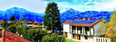 Lovely apartment with stunning views near the historic downtown of Barga