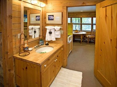Sundance cottage rental - Beautiful Bathroom with Tub / Shower