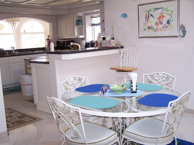 Cambria house rental - Dinette to Kitchen view