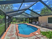 NEW! 2BR Crystal River House on the Water w/ Pool!