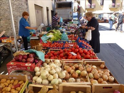 Food market in Santo Stefano Belbo