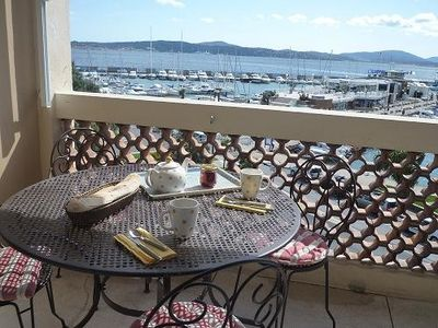 LOCATION N ° 1 - THE PORT - FRONT ST TROPEZ - 4 PERSONS
