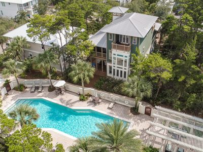 Brown Your Buns – Huge 4BR w/ Pool, Pet Friendly