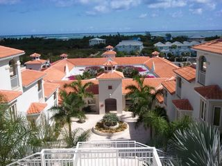 Providenciales - Provo studio photo - .view of court yard