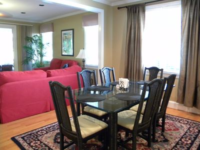 Greensboro cottage rental - Dining area seats 6.