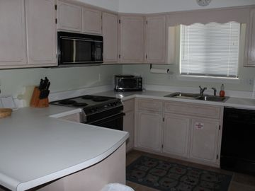 Sandpiper - Attn: Couple's!! - 1 BR/2 BA - Dog Friendly - WiFi