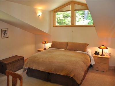 Second upstairs bedroom with king bed- convertable to 2 twin beds