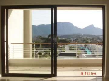 MOUNTAIN VIEW FROM LOUNGE