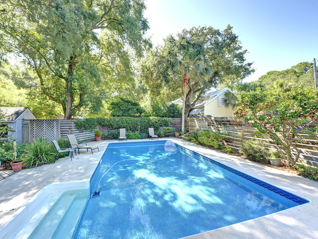 East Beach Cottage With Pool Marsh View Pet Vrbo