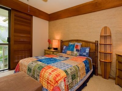 2nd master suite with queen + 2 twin beds