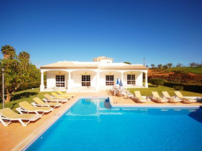 2 Wing Villa, large garden+pool, air-con+wi-fi