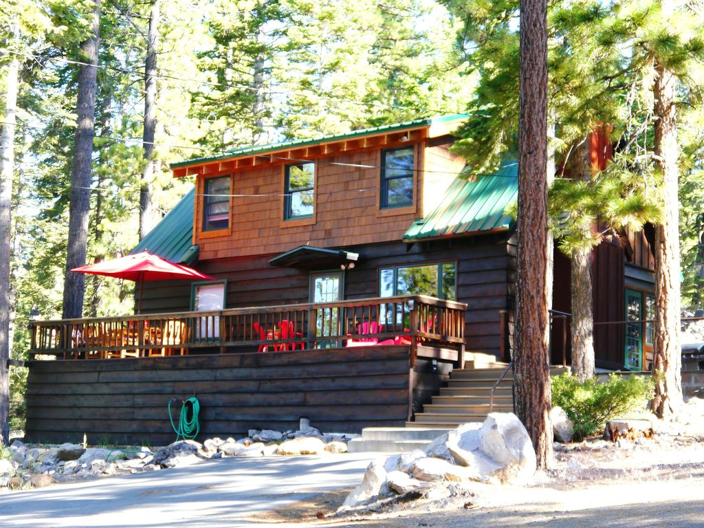 Lake tahoe north shore holiday cabin the greenleaf old for North lake tahoe cabins