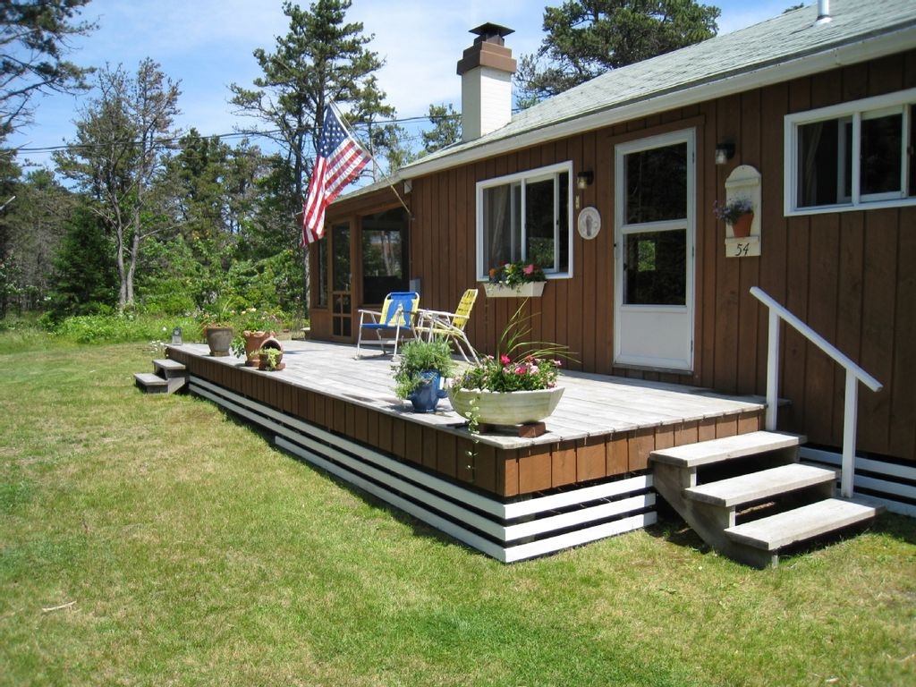 Beach cottage in the pines vrbo for Vacation cottage
