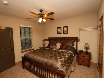 Bed 6 - Lower Level, King Bed, 40in LEDTV w/cable & NETFLIX, private bath access