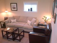 The Maple Deluxe Vacation Apts - Quiet Family Friendly Unit In The City