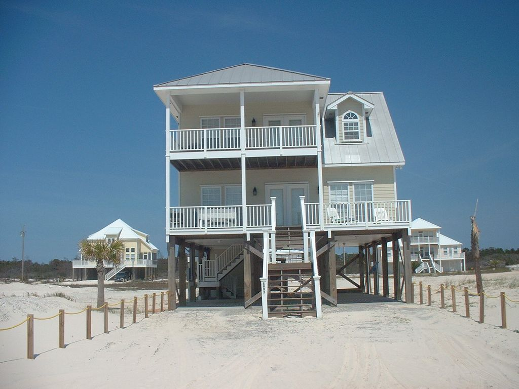 Beautiful 2 story beach house in fort morgan vrbo for Two story beach house