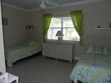 Bedroom 2, with twin beds