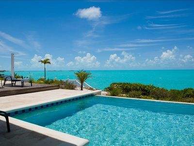 Ocean Palms Villa. Pool view overlooking the Caribbean sea in Turtle Tail