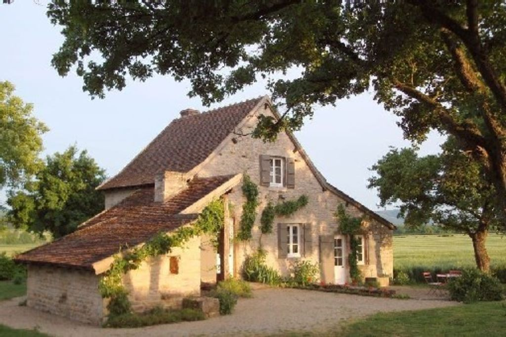 Quiet and self-catering house, 20 km north of Cluny
