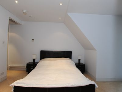 Mayfair property rental - Master bedroom