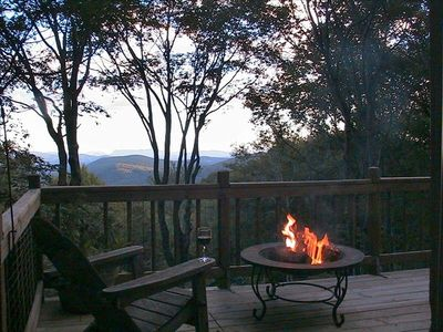 BEST LONG RANGE VIEWS ON THE MOUNTAIN-- RELAX NEXT TO THE FIRE PIT WITH A DRINK!