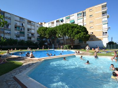 Studio in a nice holiday residence with a swimming pool, close to the beach.