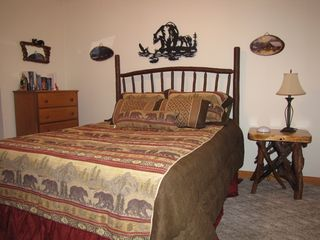 Dillsboro cabin photo - Front Bedroom Queen Size Bed