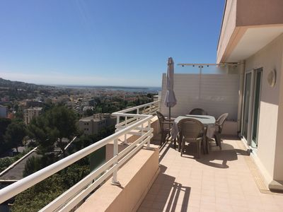 2 + 30m² terrace, parking, not overlooked, Le Cannet
