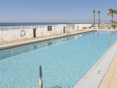 Outdoor pool right at beach level
