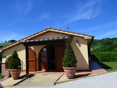 free-standing, romantic villa for 2/4 people, near to the beach, private pool