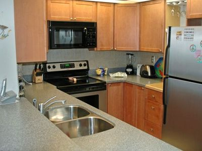 This kitchen has been beautifully remodeled with all the upgrades!