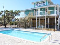 Newly updated with Pool and Landscaping - Offers awesome gulf views