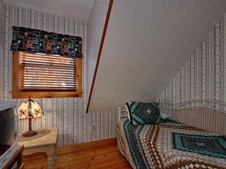 Pigeon Forge cabin photo - Bonus Room With Daybed - Sleeps 2