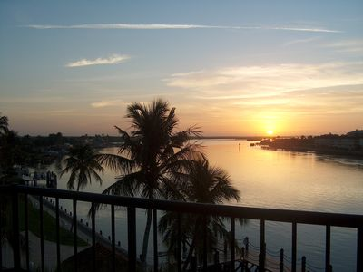 Water-front private complex w/ fishing, heated pool, tennis crts, fitness center