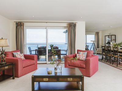 5* luxury 3 bed Penthouse with parking, balcony and superb sea views