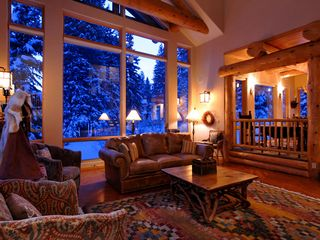Four O'Clock Breckenridge house photo - Milano Meadows - Great Room with floor to ceiling windows to enjoy the wintery scenes from