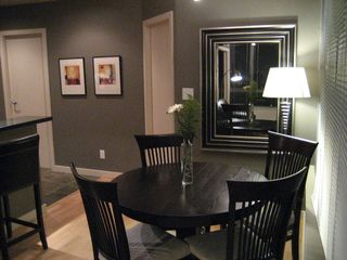 Victoria condo photo - Romantic Dining Area Seats Four
