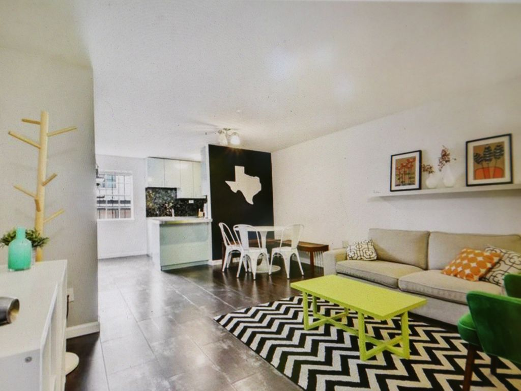 South Congress Gem with full W/D!!