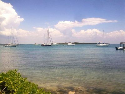 Walk to Sarasota Bay, public docks & benches, fabulous  neighborhood restaurants