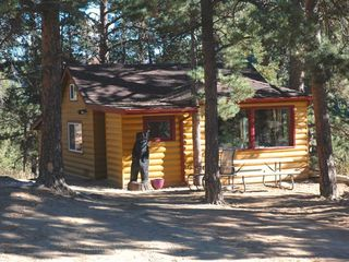 Estes Park lodge photo - Small Guest Cabin