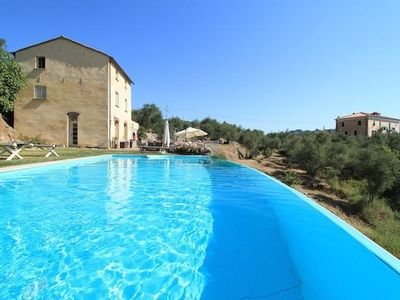 Charming country villa with pool on a sunny hill close to the Cinque Terre with beautiful seaview
