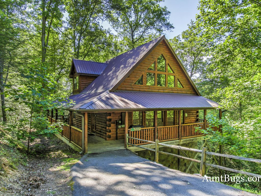 Smoky Mountain Cabins ~ Smoky mountain cabin shamrock lodge vrbo