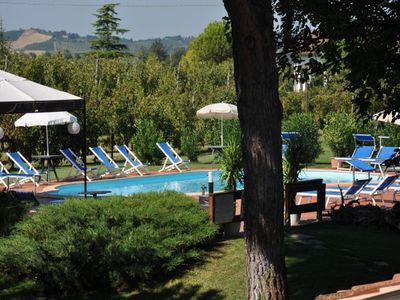 Agriturismo with pool, restaurant and wine production